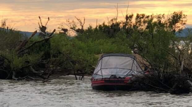 Врач рассказал о состоянии найденного в лодке ребенка в Приморье