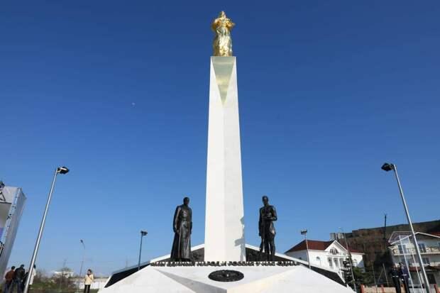 Памятник, посвященный жертвам Гражданской войны в России, открыт в Севастополе