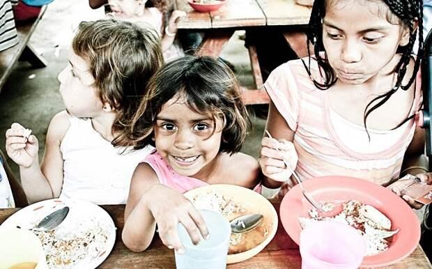 Кто спасет голодающих: миру в 2021 году грозит гуманитарный кризис