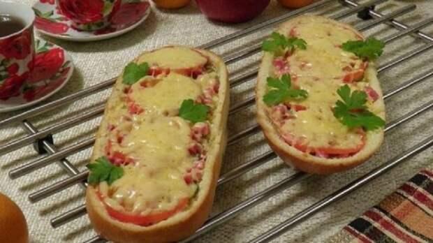 Пицца на батоне: ленивые варианты очень вкусного перекуса