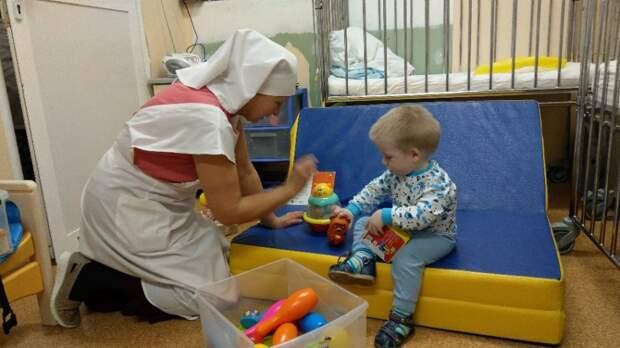 Детям-сиротам в детской больнице имени Башляевой помогают сёстры милосердия