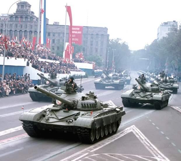Танки М84 Югославской Народной Армии на параде в Белграде 9 мая 1985 г.