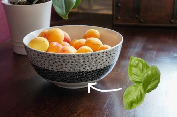 тарелка с фруктами