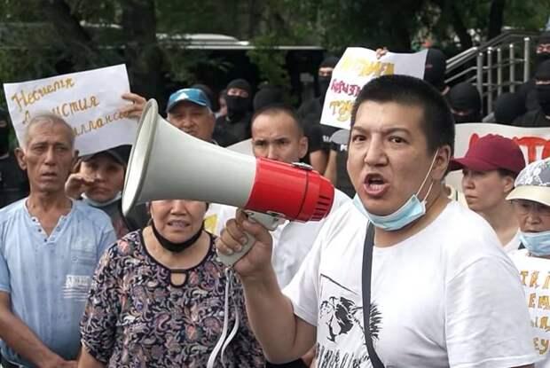 В Казахстане появились «языковые патрули», терроризирующие русское население