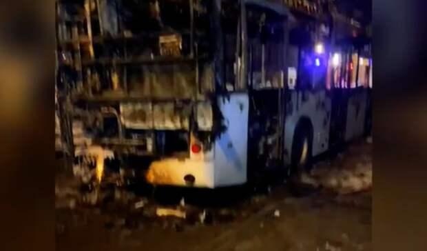 Прокуратура начала проверку из-за возгорания автобуса спассажирами вРостове-на-Дону
