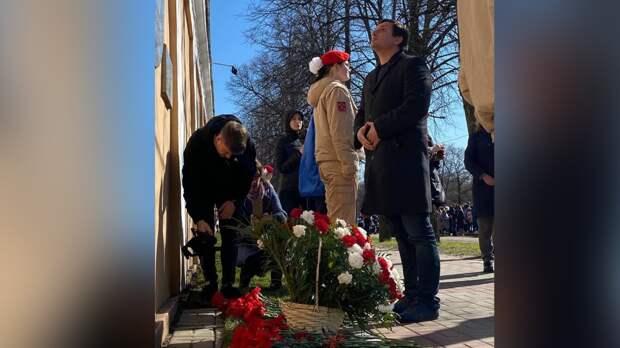 Николай Столярчук поздравил ветеранов с Днем Победы в Кронштадте