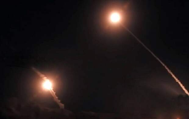 Сирийцы показали точный перехват израильских ракет над Дамаском
