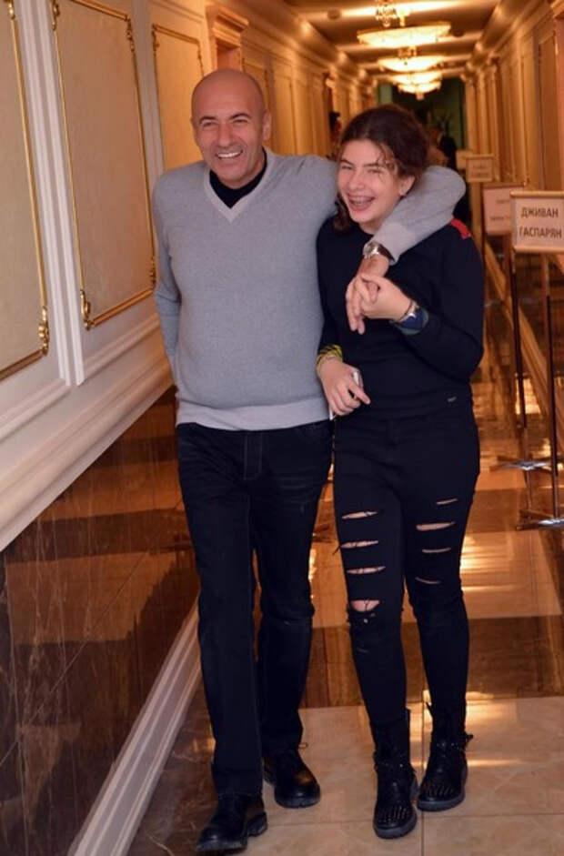 Игорь Крутой рассказал, сколько потратит на обучение дочери Александры
