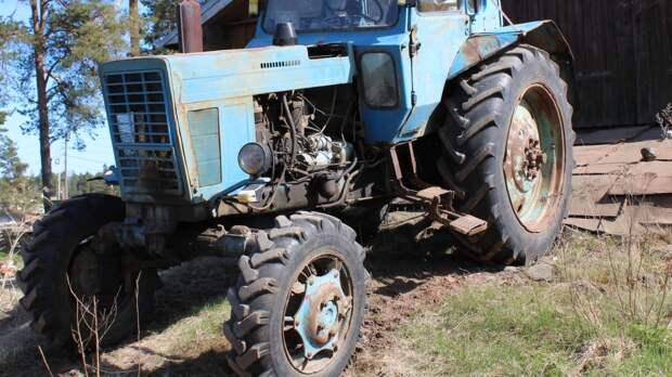 Тракторист с «липовой корочкой» попал под статью в Петербурге