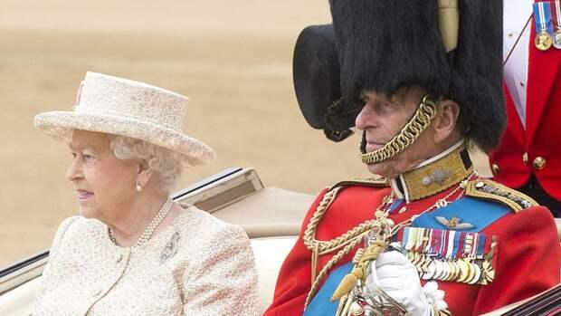 Подданные Великобритании требуют обнародовать завещание принца Филиппа
