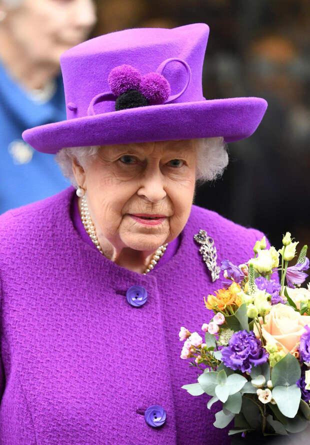 Королева Елизавета II будет находиться отдельно от семьи во время похорон принца Филиппа