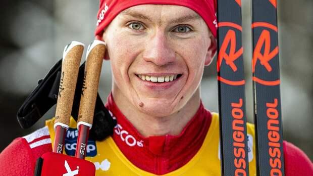Большунов с отрывом 47 секунд выиграл скиатлон на чемпионате России