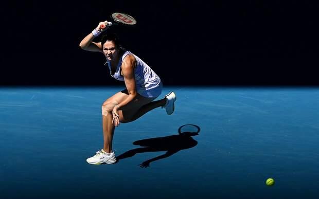 Гаспарян победила Синякову и сыграет с Александровой в четвертьфинале турнира в Санкт-Петербурге