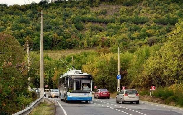 В Крыму с начала февраля возобновит работу троллейбус №51 «Симферополь – Алушта»