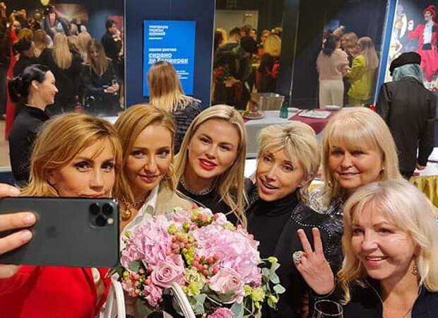 Татьяна Навка, Елена Воробей