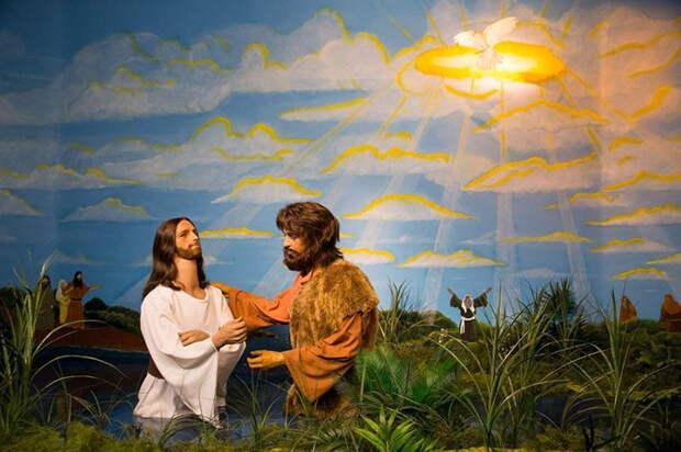 Том Круз в роли Мессии.