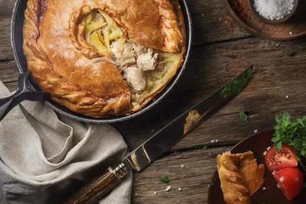 Слоеный яблочный пирог: 5 вкусных рецептов