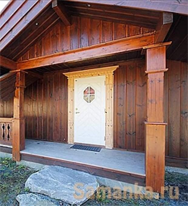 Оригинальное крыльцо в деревенском стиле