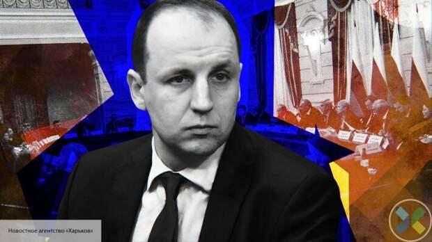 Безпалько пояснил, почему Зеленский следует линии Порошенко по Донбассу