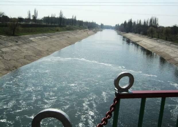 В Северо-Крымский канал начала поступать вода с Украины