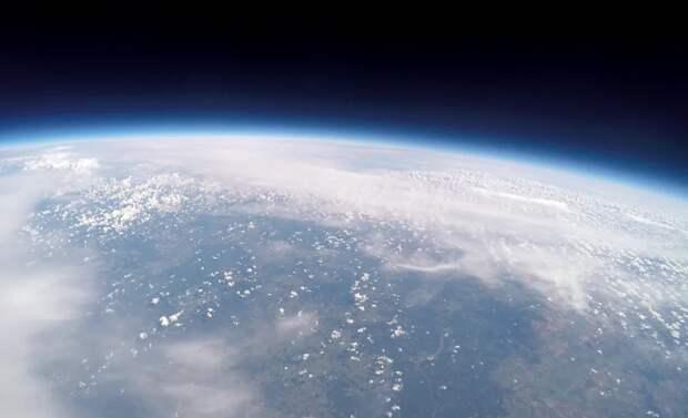 Стратосфера Земли за последние 40 лет стала тоньше на 400 метров