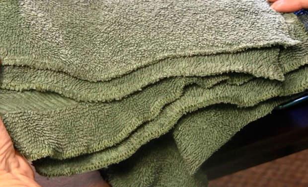 Женщине жаль было выбрасывать старые полотенца, и она решила их использовать повторно