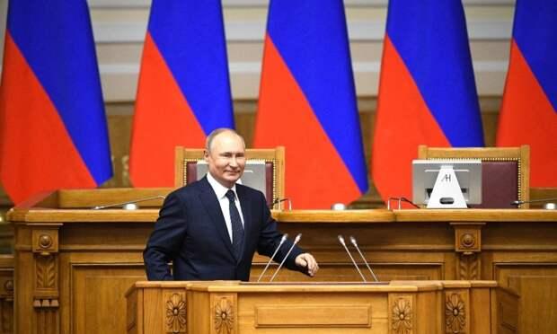 Владимир Путин заявил, что длинные майские выходные привели кснижению заболеваемости коронавирусом