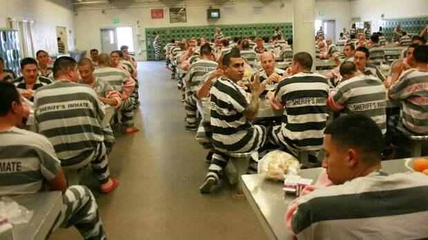 США-абсолютный мировой рекордсменпо количеству заключённых в мире.