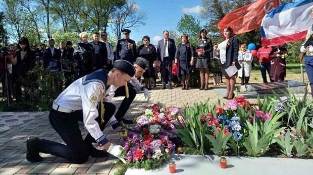 Руководители администрации Джанкойского района приняли участие в торжественных мероприятиях, приуроченных к 76 – й годовщине Победы в Великой Отечественной войне