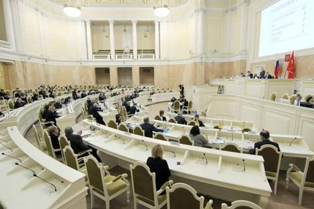 «Родина» выдвинула в петербургский парламент творческих людей