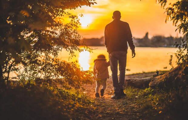 А Вы бы смогли выгнать на улицу сына с семьёй?