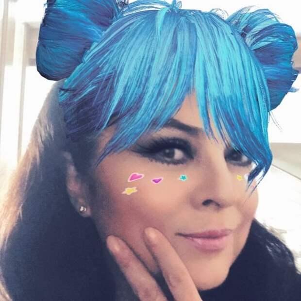 Актриса часто дурачится и публикует в своем микроблоге забавные фото