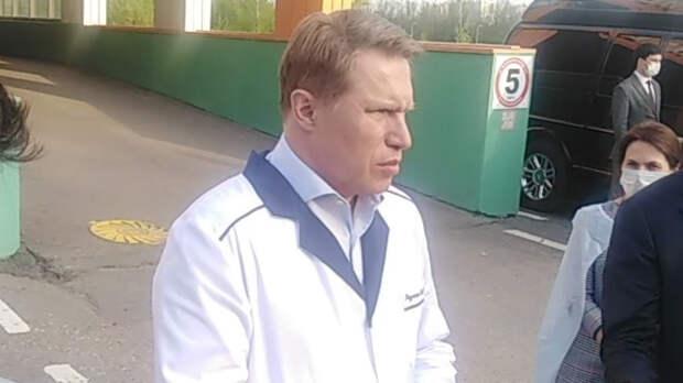 Мурашко призвал россиян привиться от COVID-19, а не ждать третьей волны заболевания