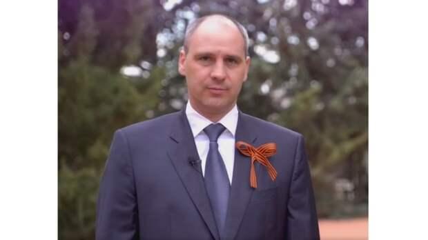 Денис Паслер поздравил оренбуржцев с Днём Победы