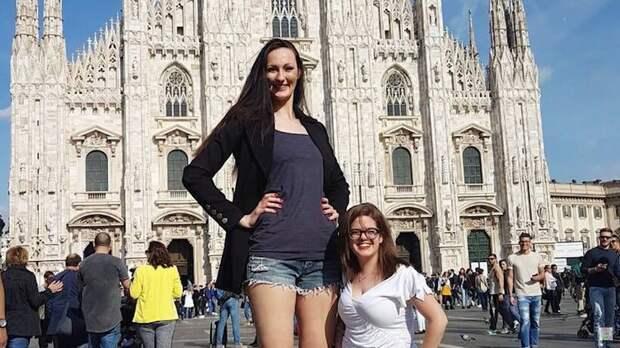 Видео: 9 девушек-гигантов, при виде которых кажется, что так не может быть