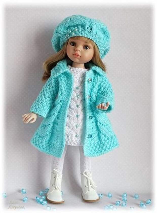 Когда в доме рукодельница — даже куклы в модных вязаных нарядах!