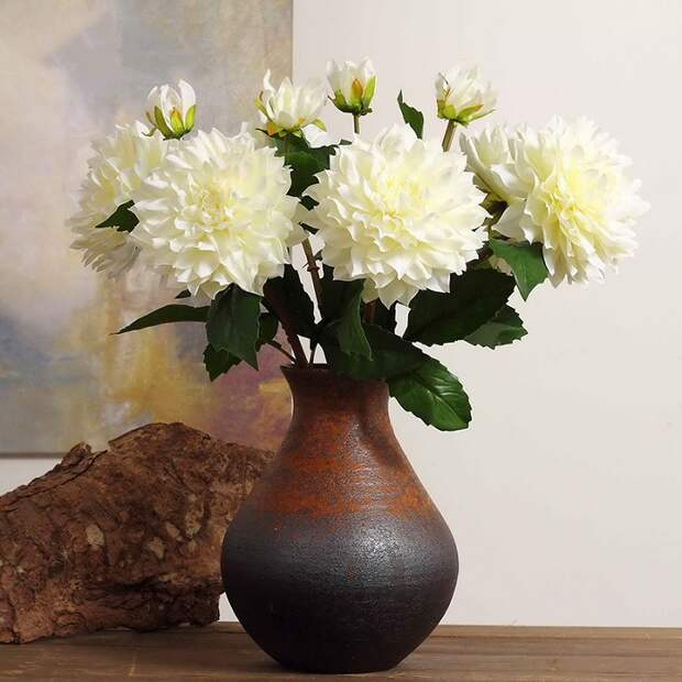 Искусственные цветы обладают плохой энергетикой. / Фото: decorel.by