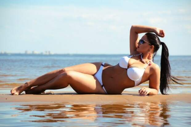 Модель Юлия Лаврова - наш ответ Ким Кардашьян