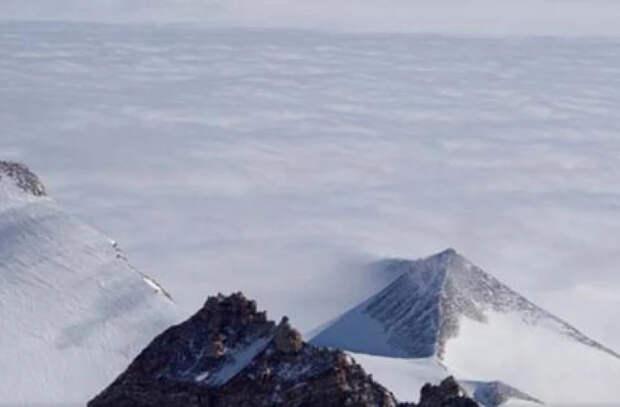 Откуда взялись древние пирамиды в Антарктиде?