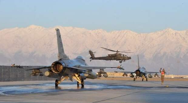 США вывезут из Узбекистана более 500 афганских летчиков