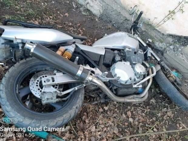 Водитель мотоцикла Yamaha пострадал в ДТП в селе Домна