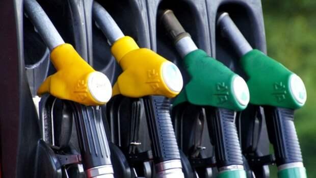 """В Алтайском крае мужчина предложил знакомому дешевое топливо и """"кинул"""" его на деньги"""