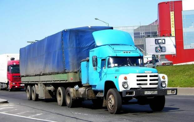 "Тюнинг советских грузовиков из ""лихих 1990-х"""