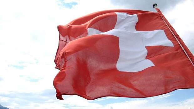 Власти Швейцарии разрешили ресторанам открыть летние веранды