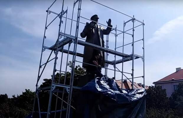 Снос памятника маршалу Коневу в Праге: достойной реакции так и не последовало