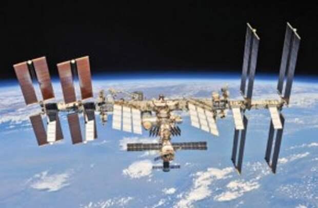 Почему космонавты бессильны в борьбе с трещинами на МКС
