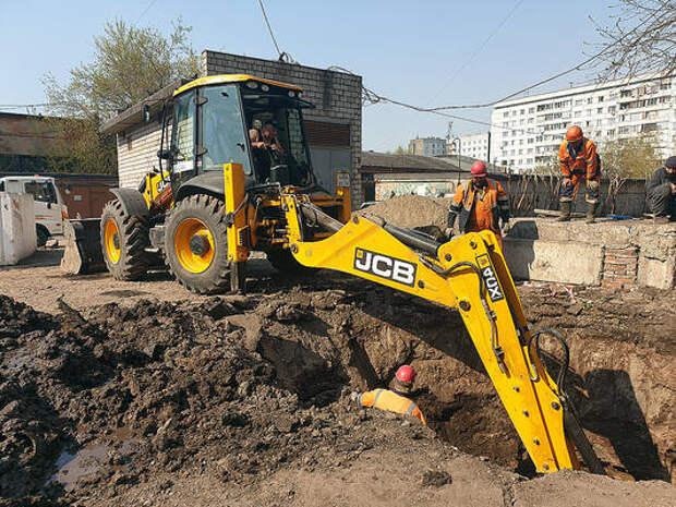 В Красноярске ремонтируют дворы