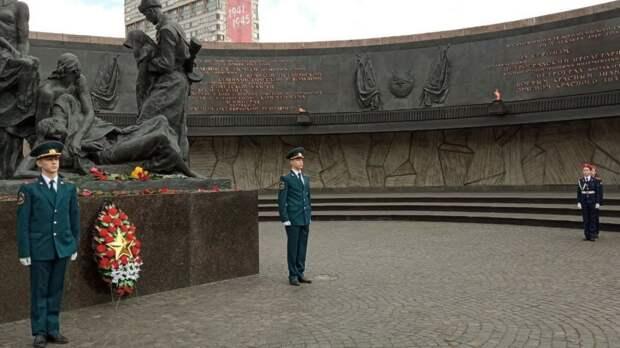 Радикалы в Одессе устроили массовую драку из-за георгиевской ленточки