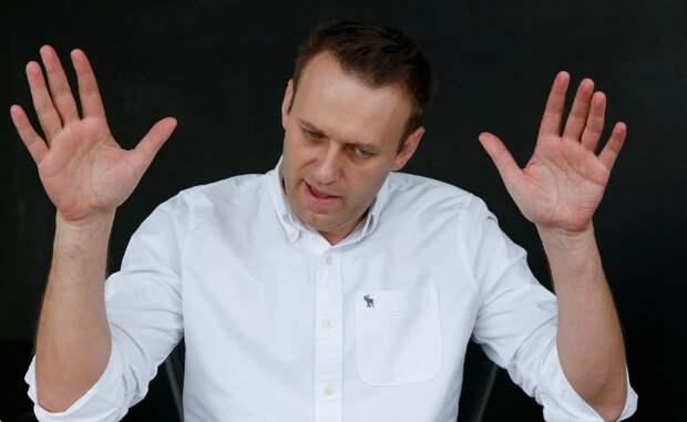Навальный не вернётся в Россию, пока не закончится испытательный срок по «делу Ив Роше»
