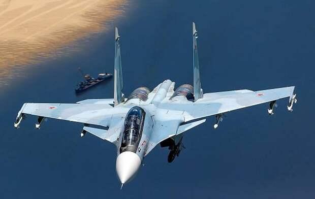 Российские Су-27 и Су-30 перехватили американские бомбардировщики в небе над Черным морем